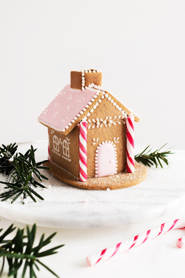 GINGERBREAD HOUSE_b96fe