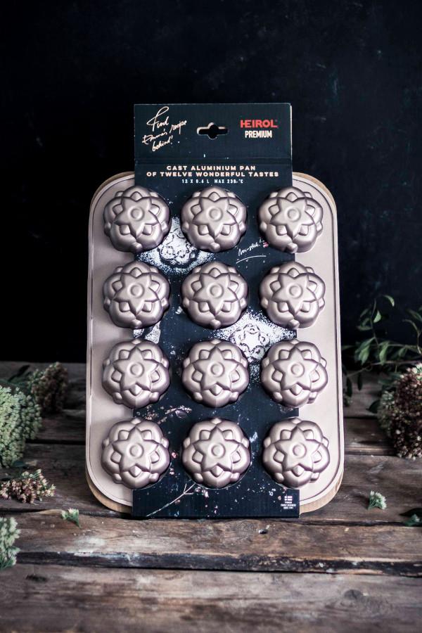 Cakeform 12 cups_7d011