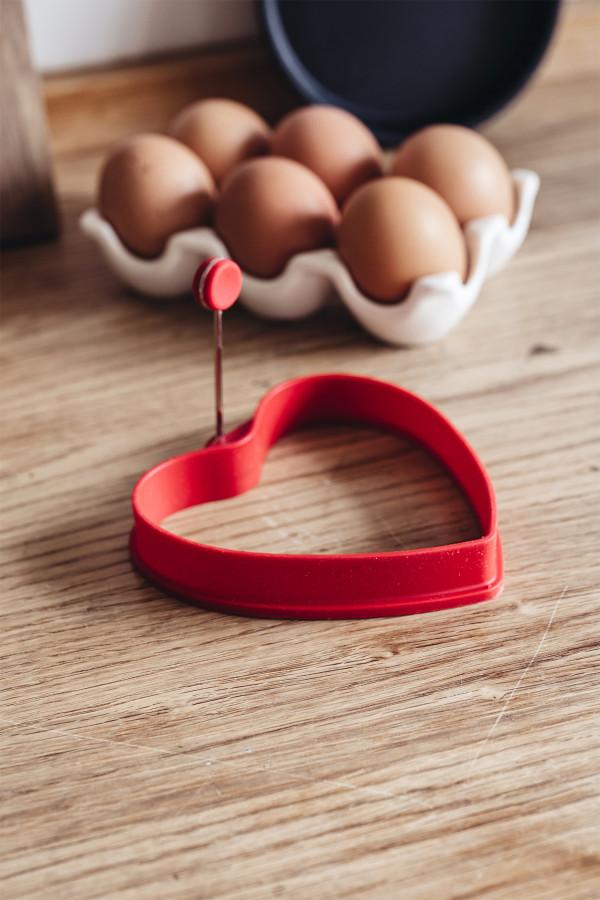 KANANMUNAN PAISTOMUOTTI, punainen sydän