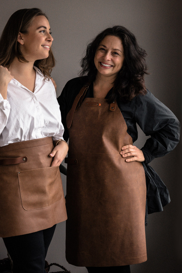 LONG APRON, leather_0ee21