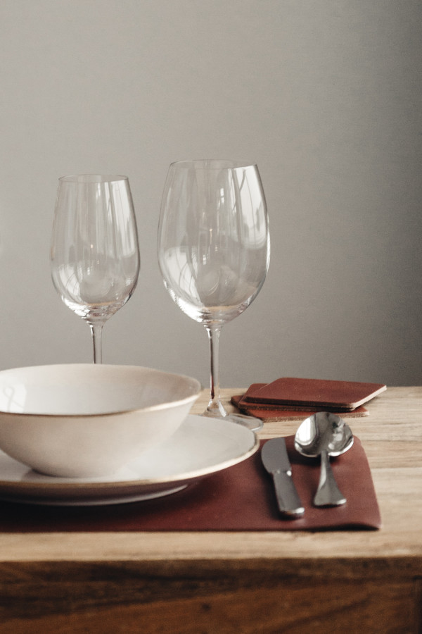 PLACEMAT WITH NAPKIN RING, leather brown_