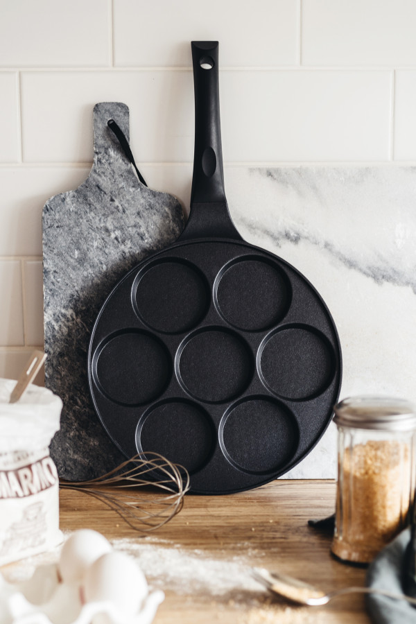 PANCAKE-/BLINI PAN WITH 7 DEEPER CUPS 27 CM CAST ALUMINIUM_f3836