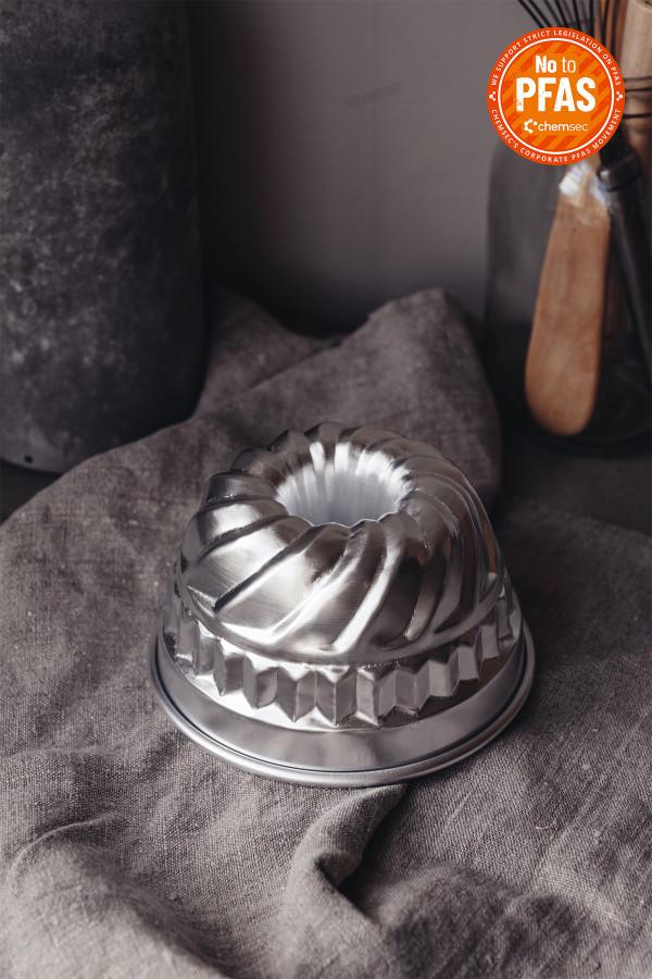 FLUTED CAKE PAN 14 cm aluminium_afda3