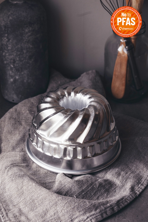 FLUTED CAKE PAN 18cm aluminium_3dd04