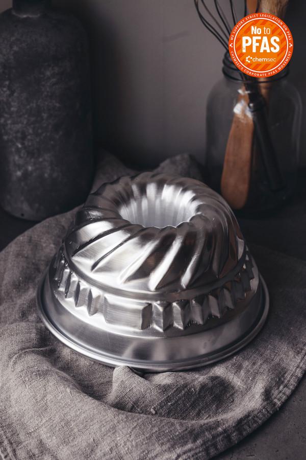 FLUTED CAKE PAN 20 cm aluminium_243b1