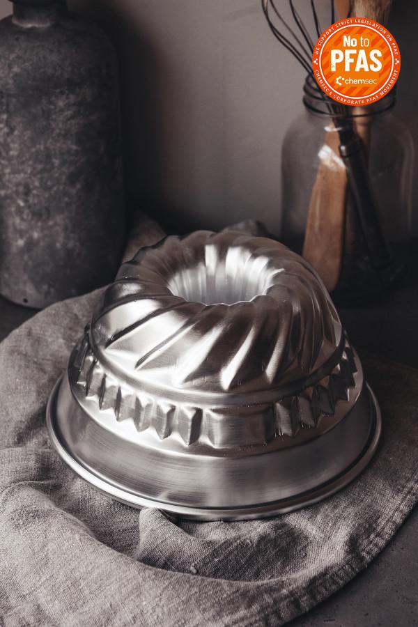 FLUTED CAKE PAN 22 cm aluminium_7a99b